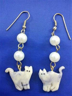 Cat and pearl (glow in dark) earrings