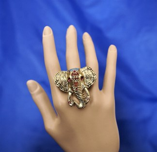 Gold 3D elephant cameo ring