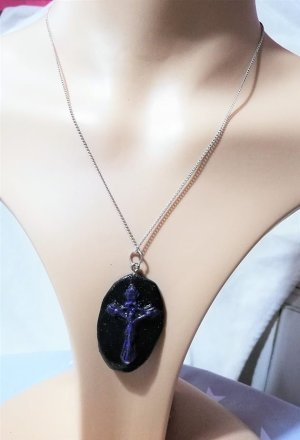 Black and purple crucifix cameo necklace