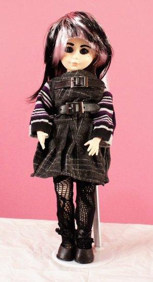 Gothic Lolita black tartan and buckle dress