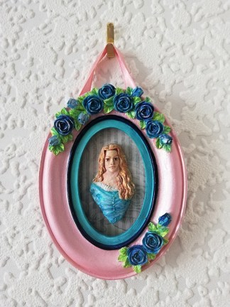 Alice in Wonderland (Tim Burton style) 3D cameo wall plaque