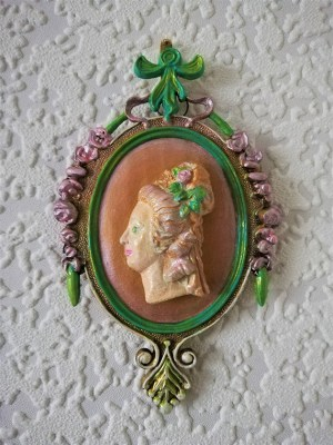 Marie Antoinette cameo wall plaque 1