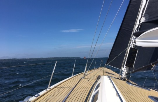 image of the lutine on temple sailing day