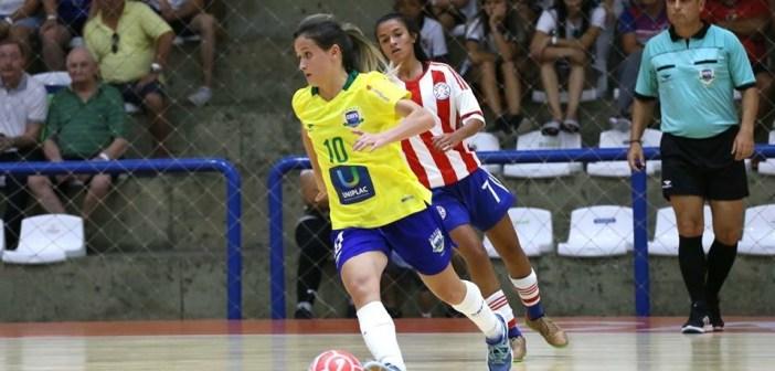 Amandinha faz balanço dos amistosos da seleção brasileira