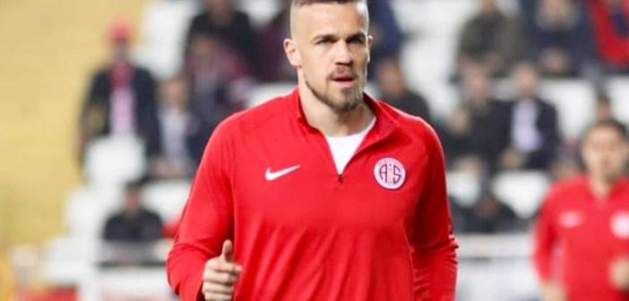 Em busca da Europa League, Chico avalia confronto com o líder Istanbul Başakşehir, de Robinho, Adebayor e Arda Turan