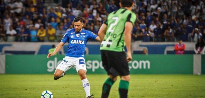 Preservado dos últimos jogos do Cruzeiro, Robinho volta com bateria recarregada para manter bom retrospecto diante do América Mineiro