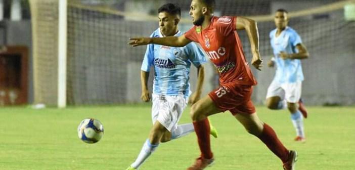 Criado nas categorias de base do Paraná, zagueiro Paulo Fales revela expectativa para confronto com o clube