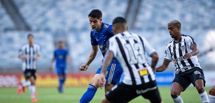 Após vitória no clássico, Matheus Barbosa comemora números no Cruzeiro e foca em nova decisão