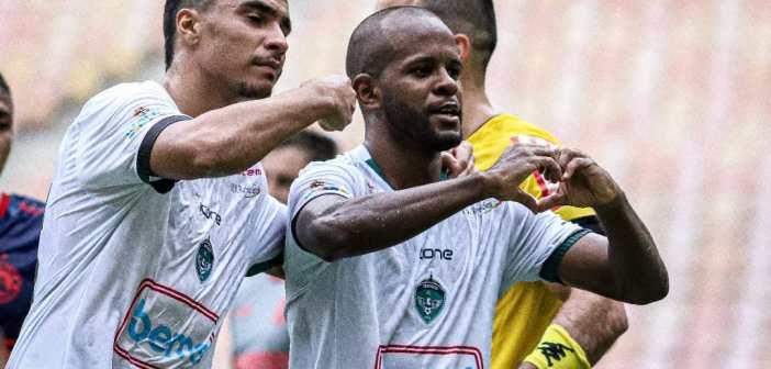 Philip celebra gol e exalta elenco após classificação do Manaus na Copa Verde