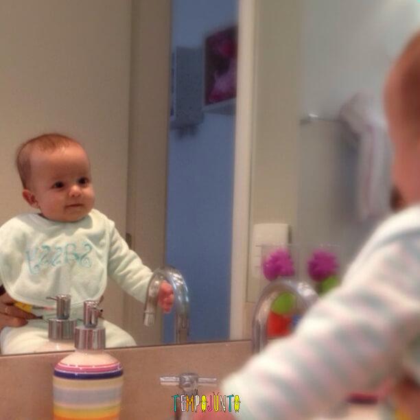 Atividades para beb s de 0 a 6 meses 3 espelhos tempojunto - Bebe de 6 meses ...
