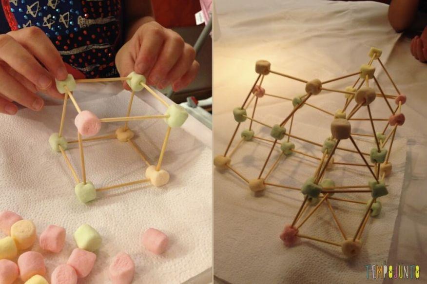 Esculturas de Marshmallow e palito de dente - cubo e casa de marshmallow