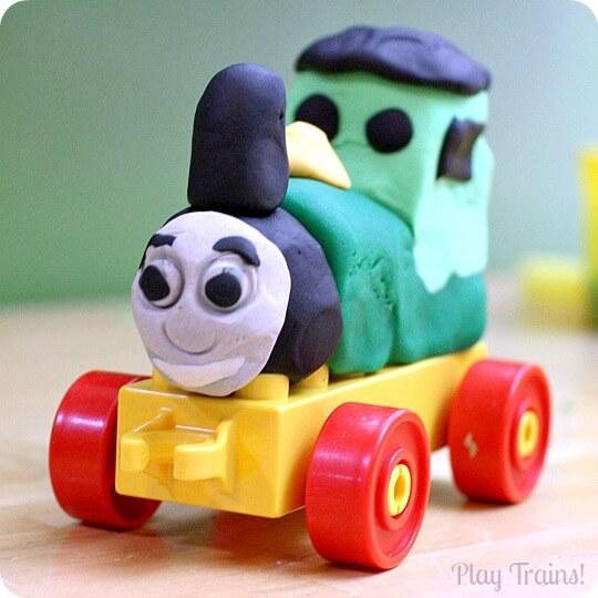 Ideias criativas usando massinha caseira para fazer com criança - usando lego com massinha caseira