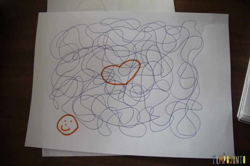 brincar de desenhar - papel com os desenhos