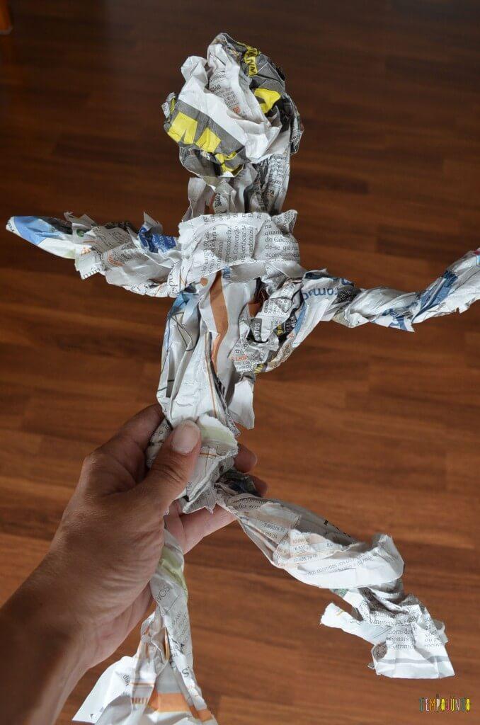 papel reciclado - boneco