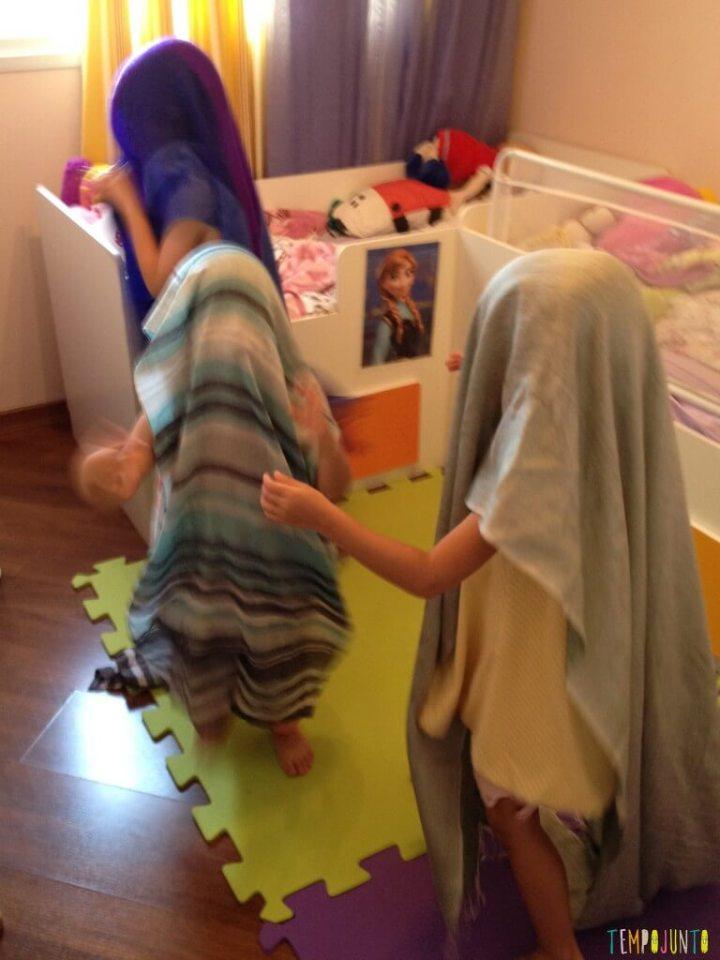 Brincar de faz de conta com os livros de Patricia Auerbach - crianças brincam