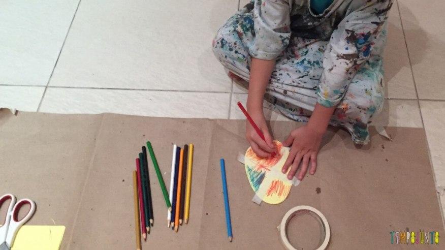 cartões de Páscoa - fazendo o cartão de lapis de cor