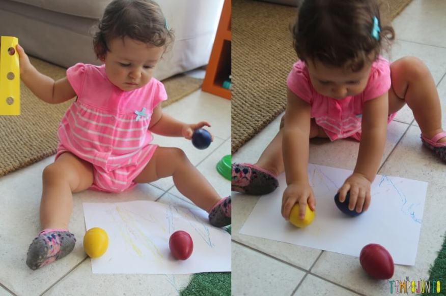 Quando o bebê pode começar a desenhar - gabi se divertindo com os ovos