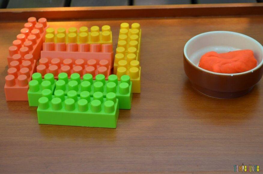 Cantinhos para brincar - lego e massinha juntos