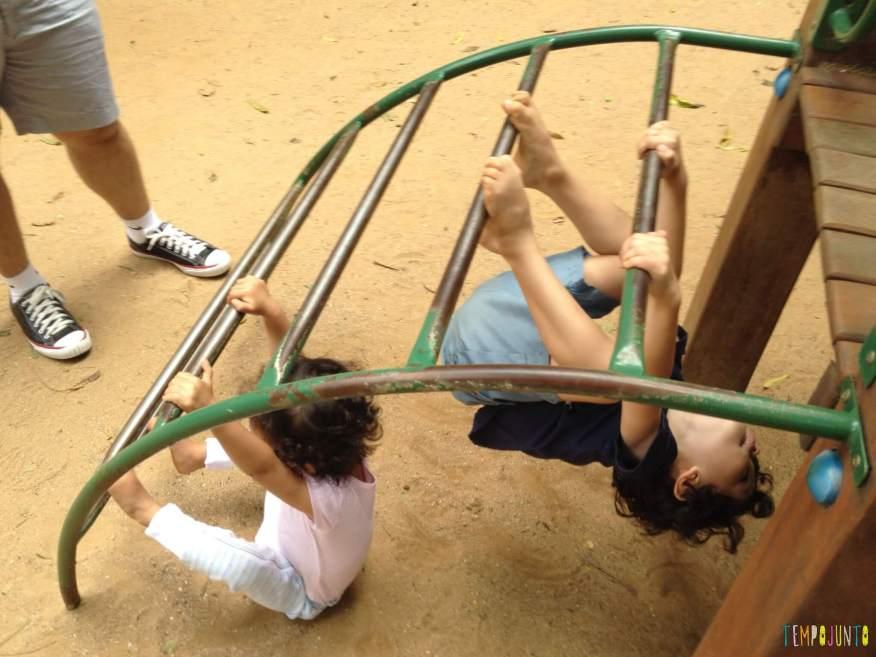 11 Brincadeiras para estimular o sexto e sétimo sentidos das crianças - cabeça pra baixo