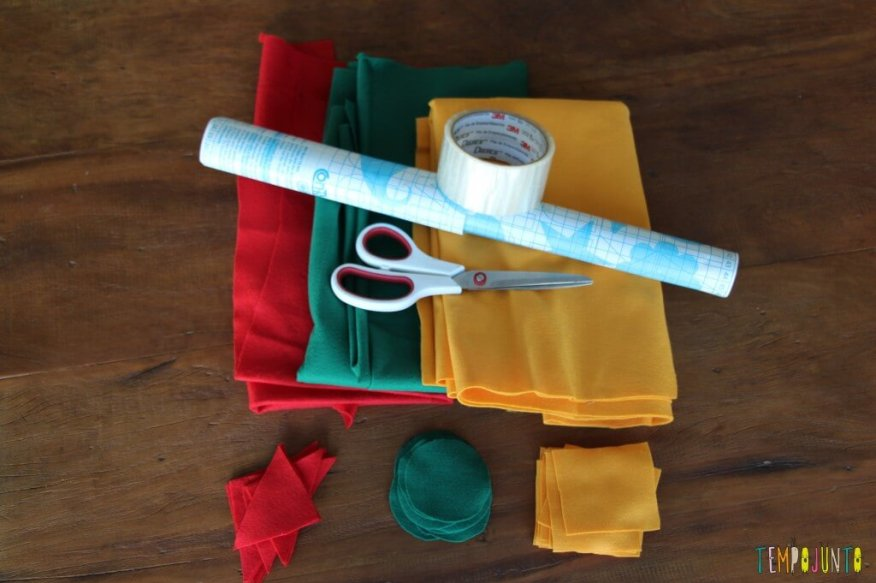 Atividade de cores e formas com contact e feltro - material