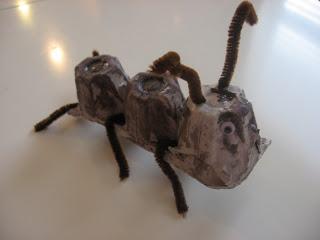 10 ideas criativas para fazer bichinhos com as crianças - formiga de cartao de ovo