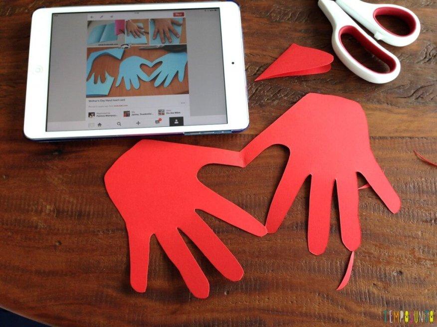 15 ideias de presentes para o Dia do Professor - cartao de maos