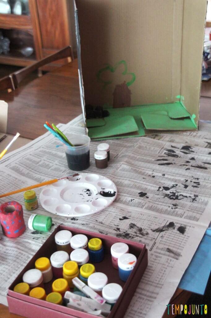 Como fazer um cenário de papelão para a brincadeira de imaginação - começando os trabalhos