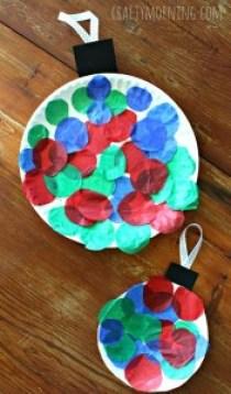10 ideias de artesanato de natal para fazer com as crianças - bola de prato de papel