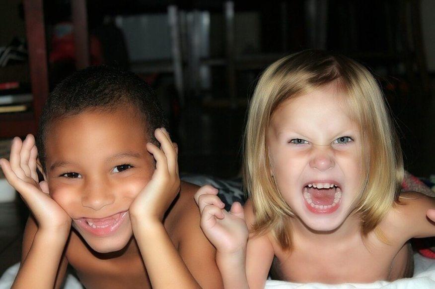 A importância do brincar - entrevista com Natércia Tiba - criancas brincando