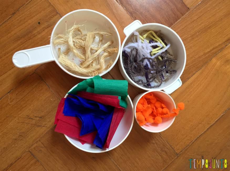 Explorar materiais- uma atividade e tanto para as crianças - potinhos