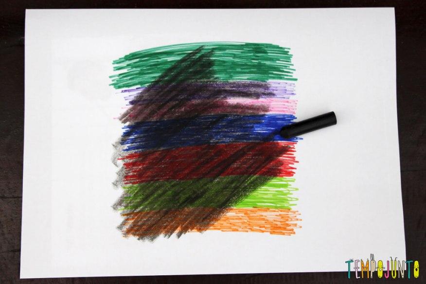 Desenho mágico- um jeito diferente de fazer arte - folha coberta com giz de cera