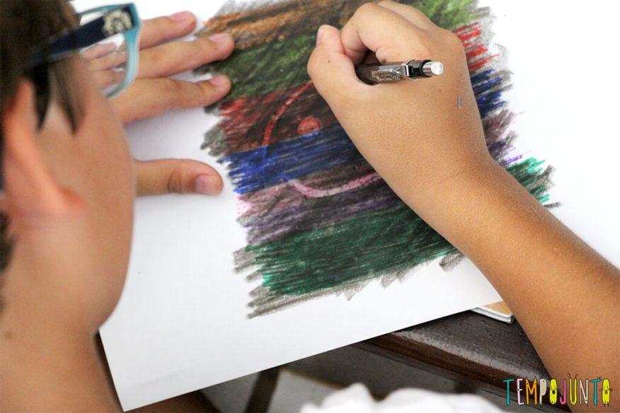 Desenho mágico- um jeito diferente de fazer arte - raspando o desenho