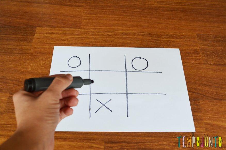 Jogo da velha é uma brincadeira para dentro e fora de casa que estimula a velocidade de raciocínio- jogo da velha no papel