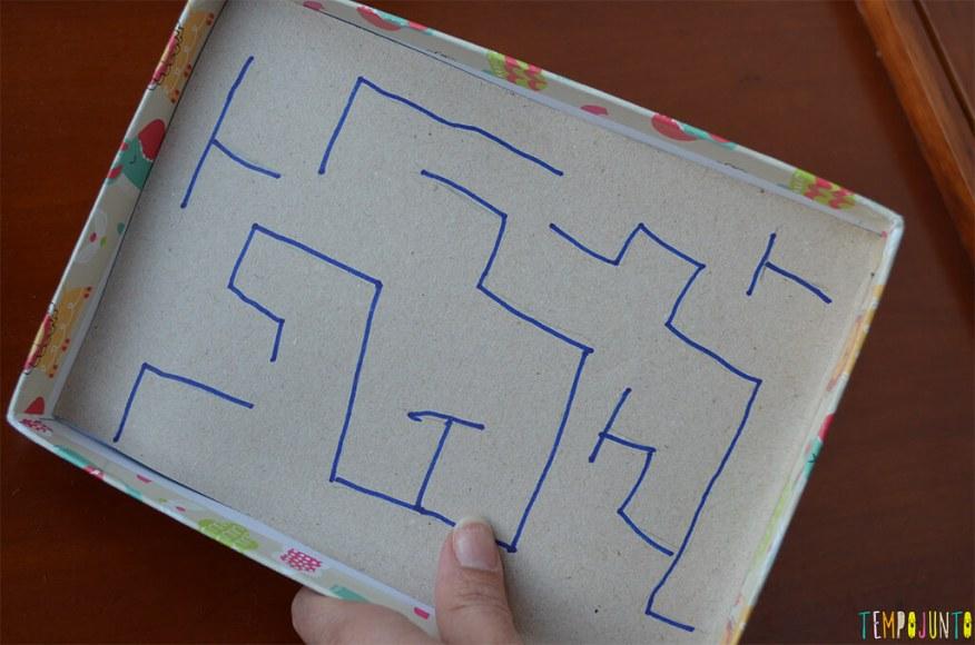 Brincadeiras que te ajudam na hora de visitar alguém - parte 2 - labirinto de canudos - desenho