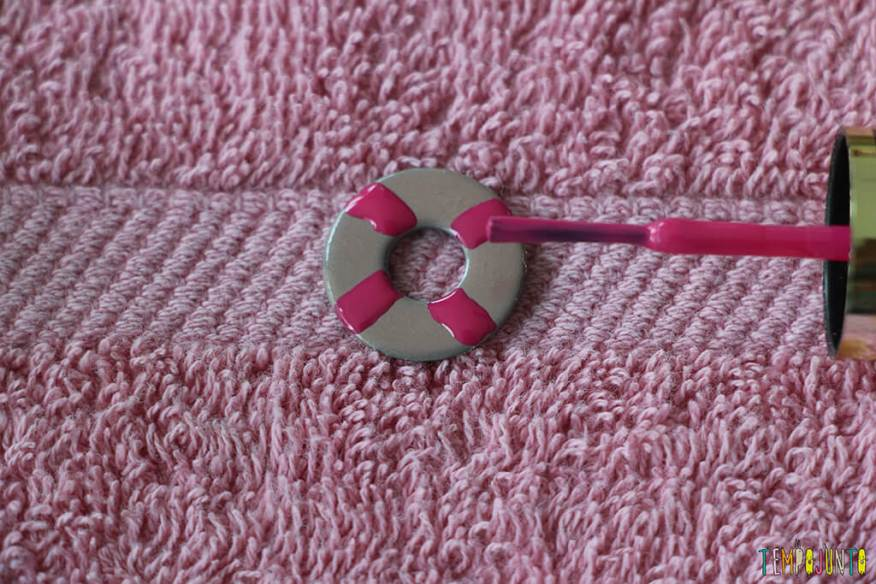 Como fazer um colar bonito e barato com as crianças - decorando a arruela