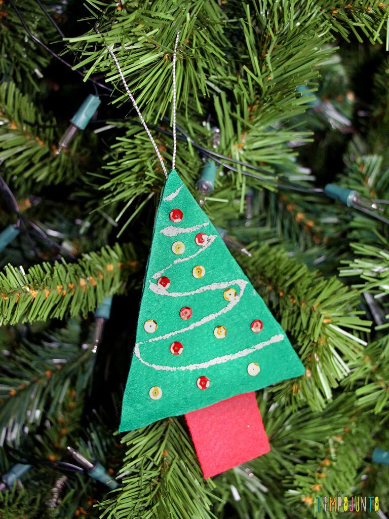 Como fazer um enfeite caseiro para a árvore de natal_4709_Resultado-arvore-de-feltro