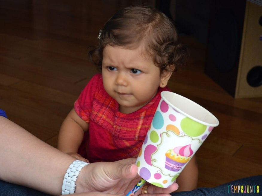 Brinquedo para despertar a curiosidade do seu bebe_13.57.53_ju desconfiada