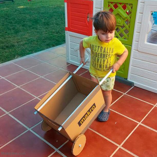 10 brinquedos caseiros - carrinho de mão