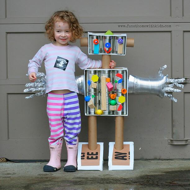 10 brinquedos caseiros - robo de papelao