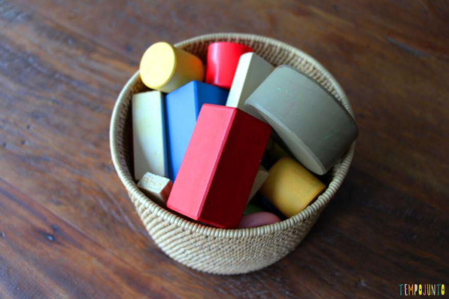 Atividade de raciocínio para crianças pequenas - blocos reunidos