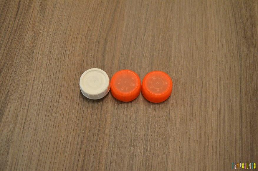 Futebol de botão simples para a mesa do restaurante - materiais