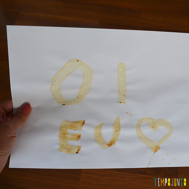 Tinta invisível para brincar de mensagem secreta - mensagem escrita