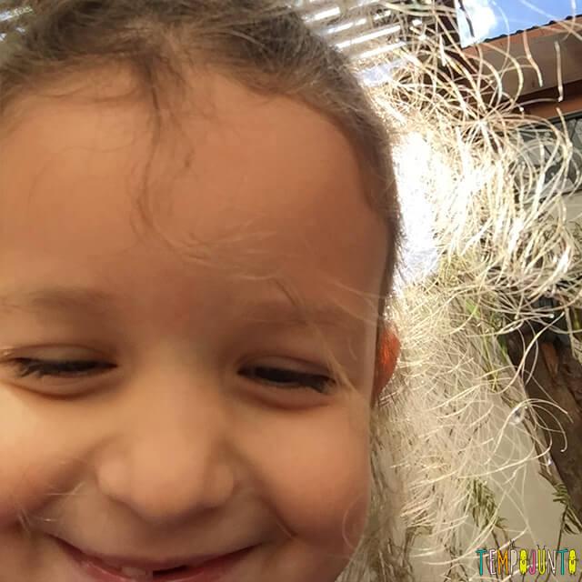 Como ensinar as crianças a controlar as emoções - cara de feliz