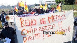 reno de medici protesta