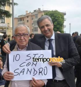 Mario Piccolino e Mattia Aprea festeggiano la vittoria elettorale di Sandro Bartolomeo