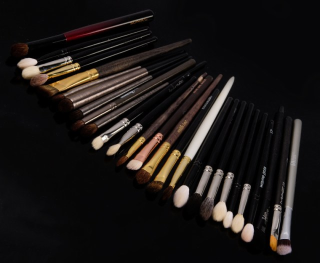 Best Makeup Brushes for Applying Eyeshadows