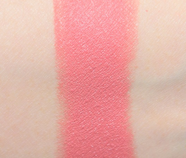 Bobbi Brown Nude Reality Luxe Matte Lip Color