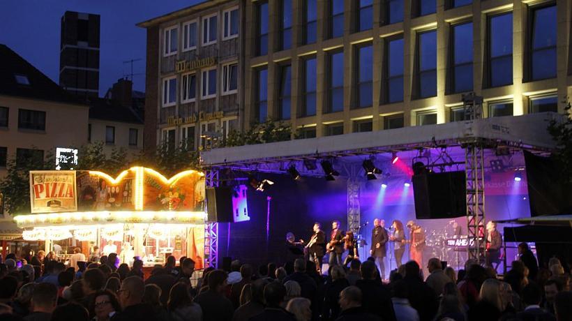 Ten Ahead als Coverband Düren auf dem 35. Dürener Stadtfest