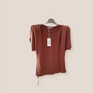 blusa manica corta con spallina arricciata