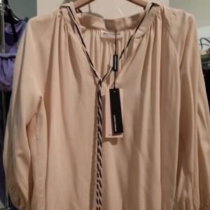 blusa in viscosa  con manica palloncino e cordoncino al collo